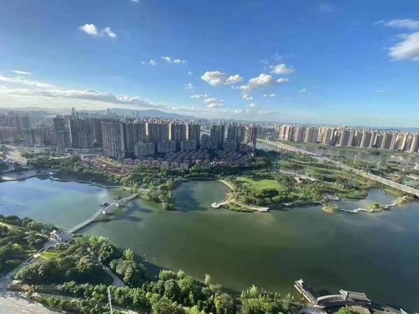 出售方直星耀国际一线湖景5室2厅2卫185平米388万住宅