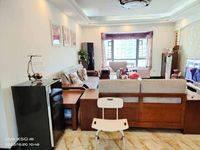 出售国华湖畔新城4室2厅2卫140平米128万住宅