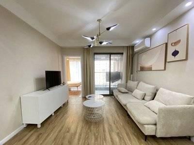 城区中心高端住宅世纪铂爵 精装一室一厅大阳台采光好居家舒适!楼下就是金山河公园