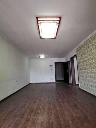 出售美高春天里2室2厅1卫82平米90万住宅