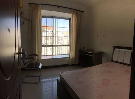 电梯华轩居3室2厅2卫123平米123万住宅