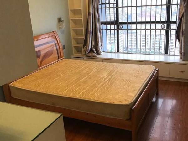 出租美地花园城2室2厅1卫68平米2000元/月住宅