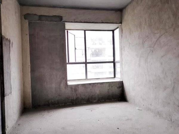 出售宏新蜜糖小城3室2厅2卫101.55平米95万住宅