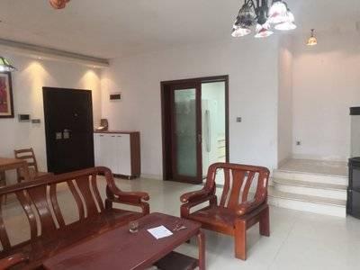 出售雅丽苑3室2厅2卫143平米180万住宅